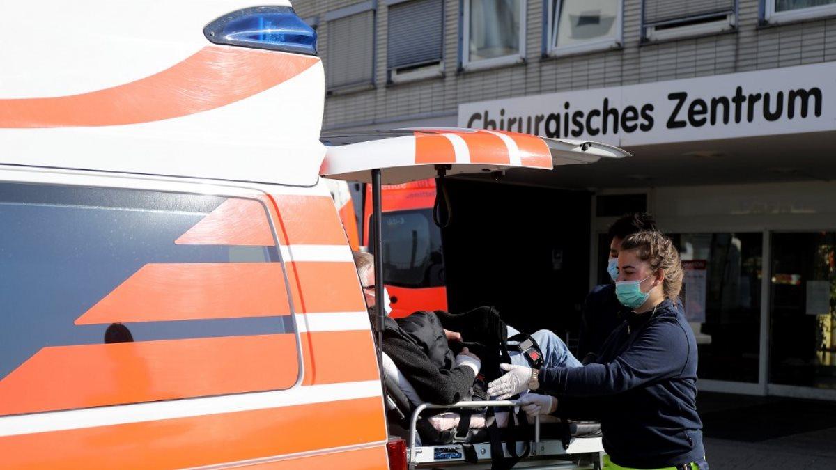 Германия коронавирус скорая помощь один
