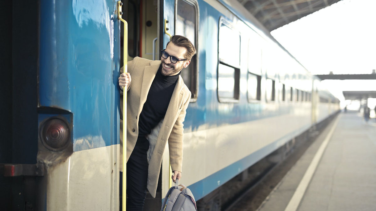 Внутренний туризм смех и радость поезд