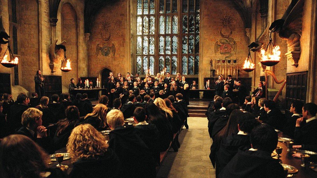 Гарри Поттер Хогвартс столовая