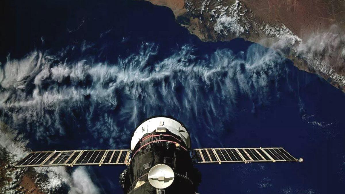Грузовой корабль Прогресс МС-13 пристыкованный к МКС