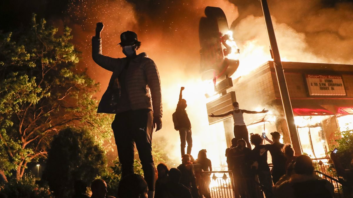 США протесты погромы поджоги