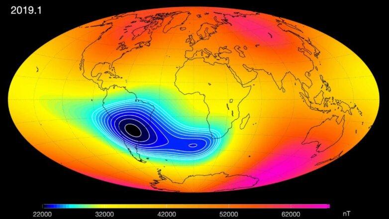 Магнитное поле Земли ослабевает