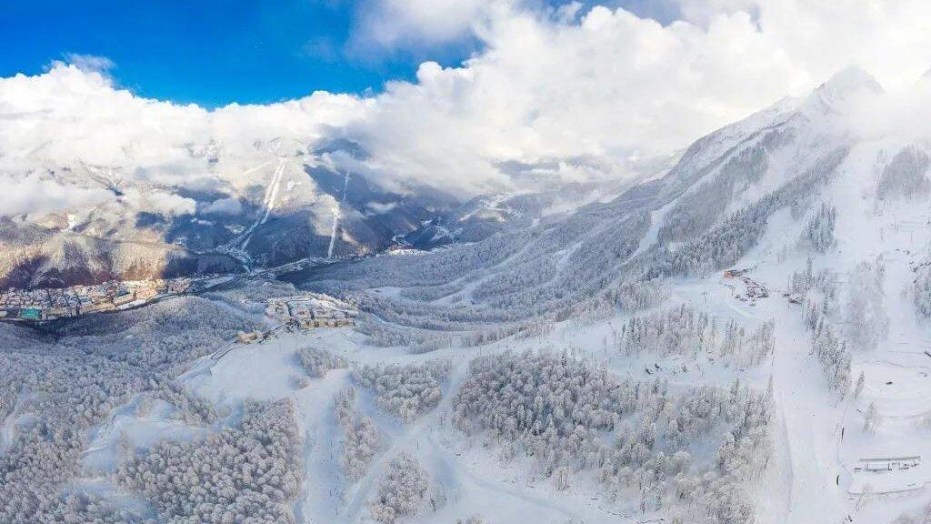 Снег в горах Сочи
