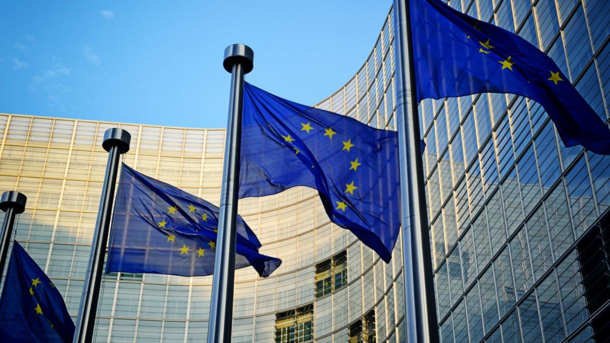 Евросоюз ЕС Европа Еврокомиссия флаги Брюссель один