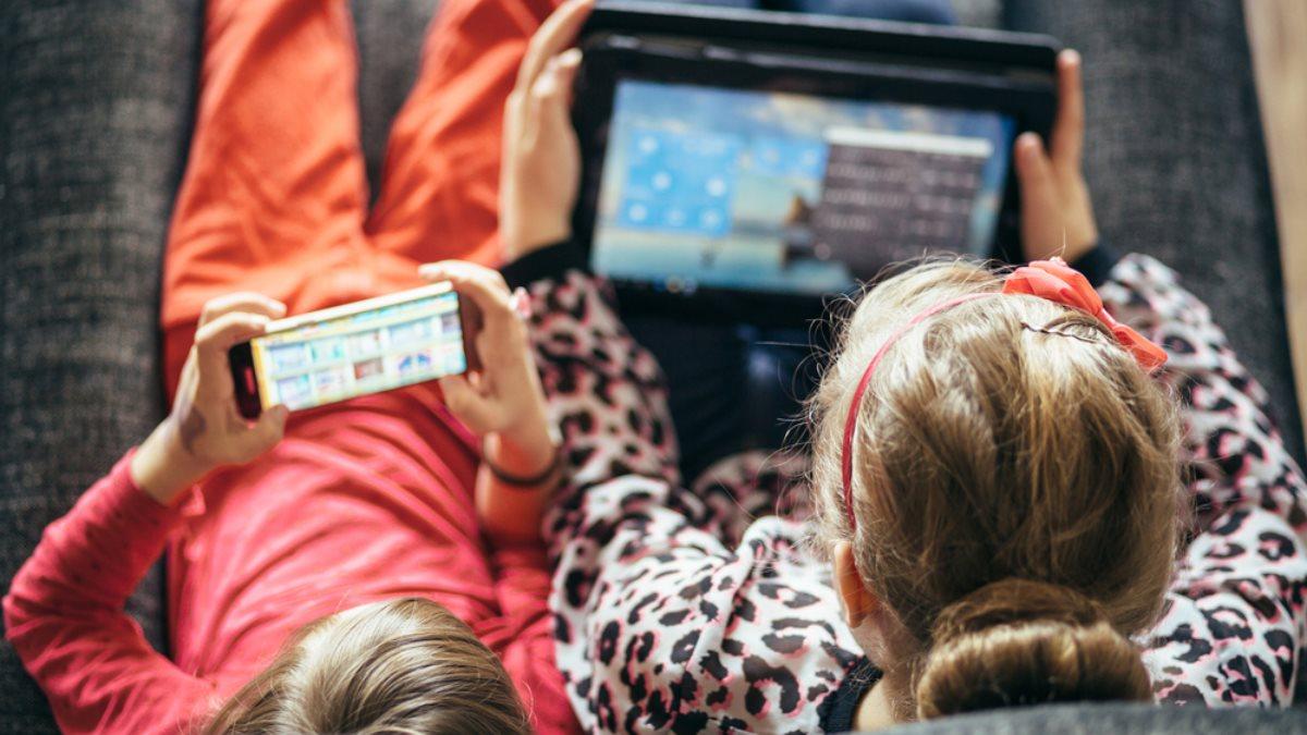 Дети ребёнок гаджеты интернет безопасность