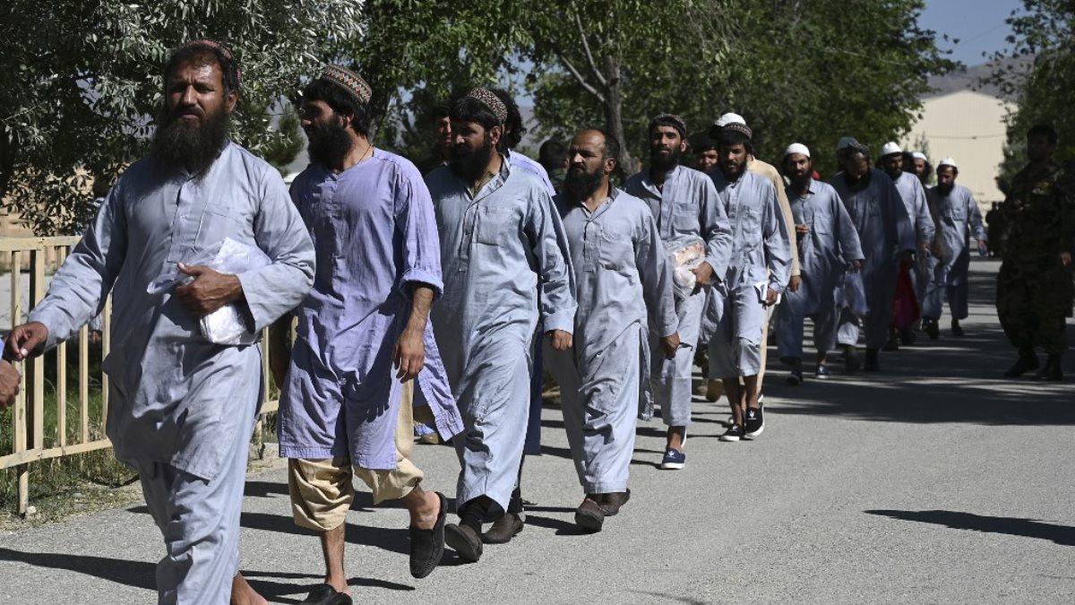 Заключённые боевики радикального движения Талибан