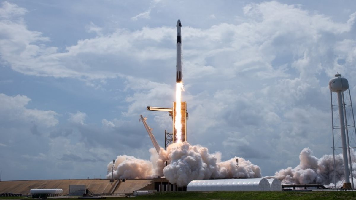Ракета-носитель SpaceX Falcon 9 запуск один