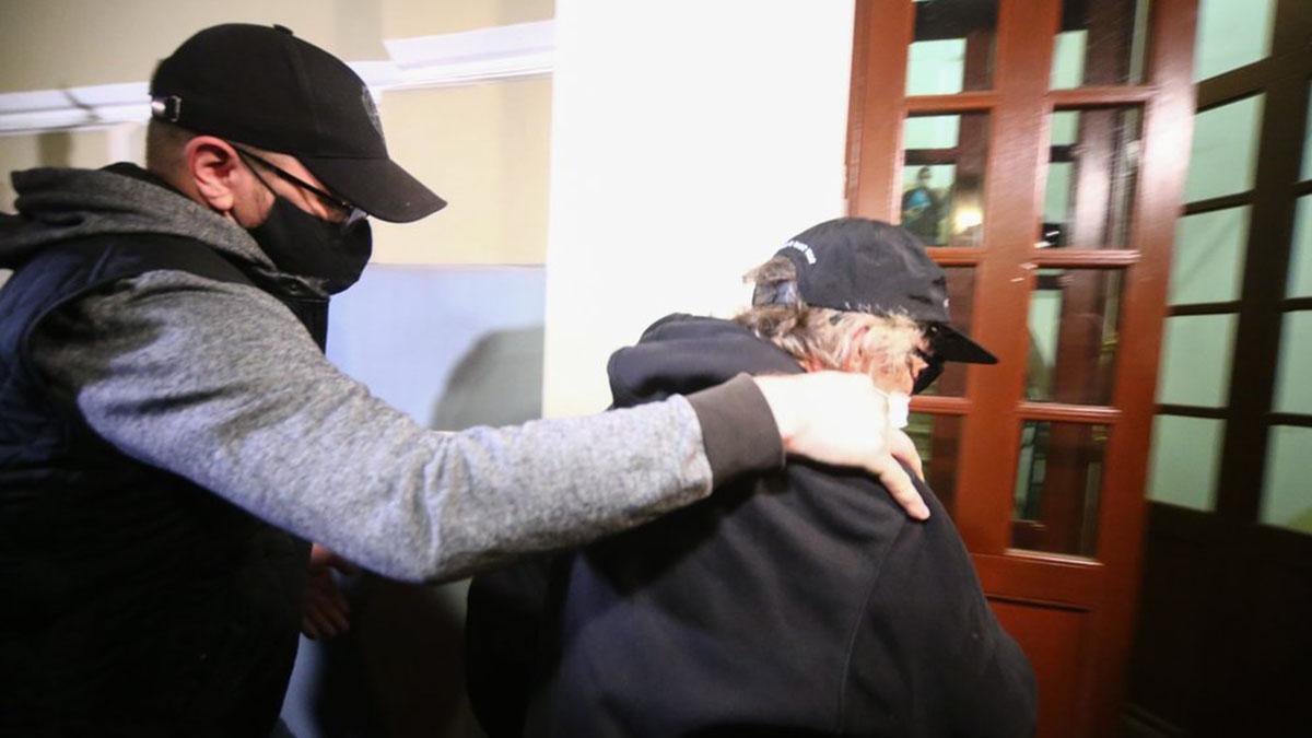 Актёр Михаил Ефремов, доставленный по месту прописки для отбывания домашнего ареста