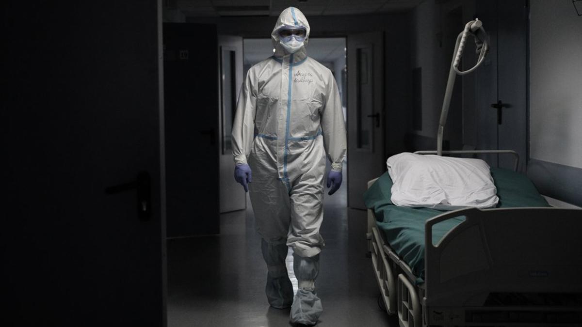 больница врач медицина коронавирус тёмный коридор