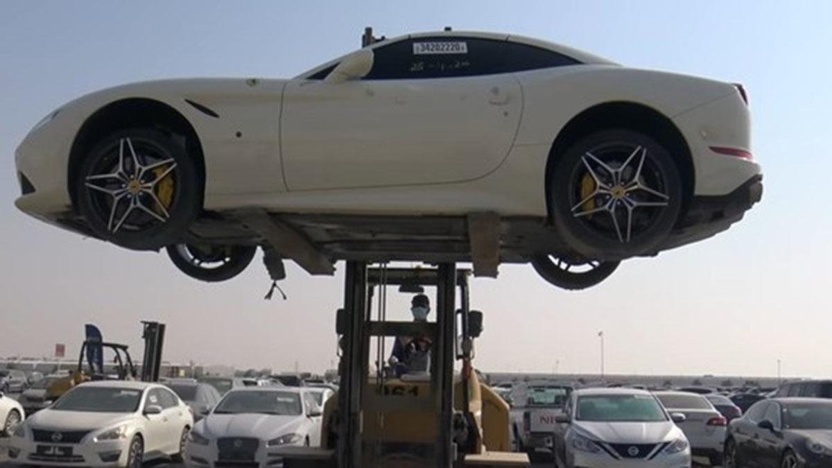 Гигантская свалка брошенных суперкаров в Дубае
