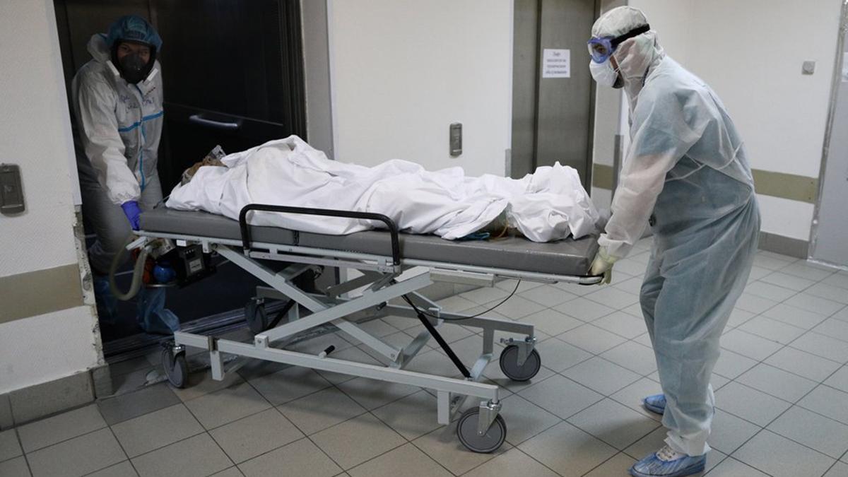 больница врач медицина коронавирус спецкостюм