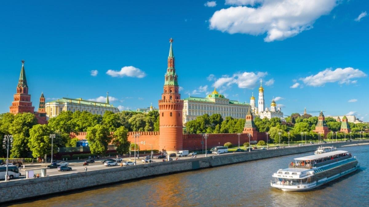 Москва Кремль лето