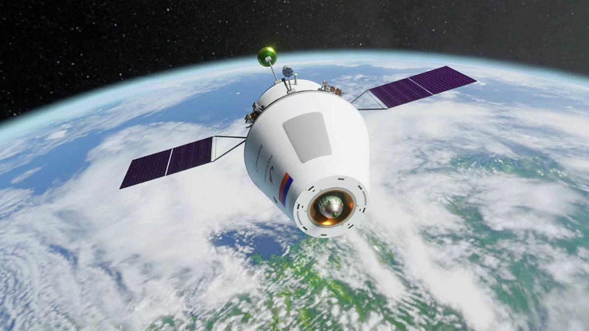 Космический корабль Орёл близко