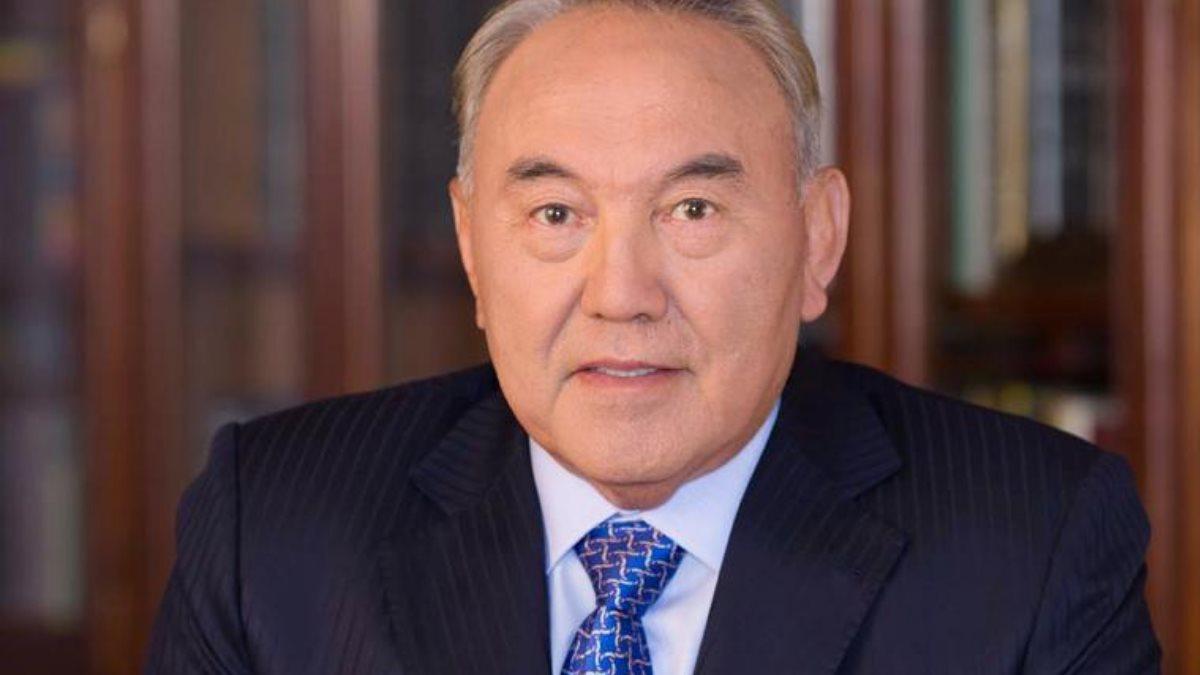 Бывший президент Казахстана Нурсултан Назарбаев кабинет