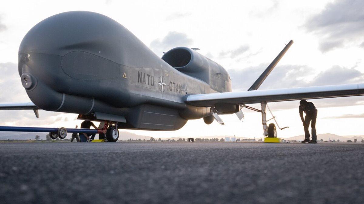 Беспилотный летательный аппарат RQ-4D Global Hawk