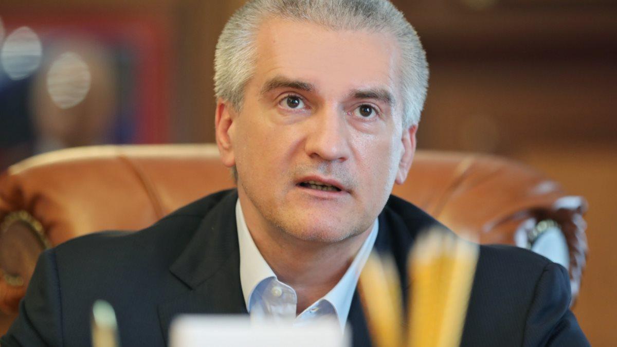 Сергей Аксёнов в кресле