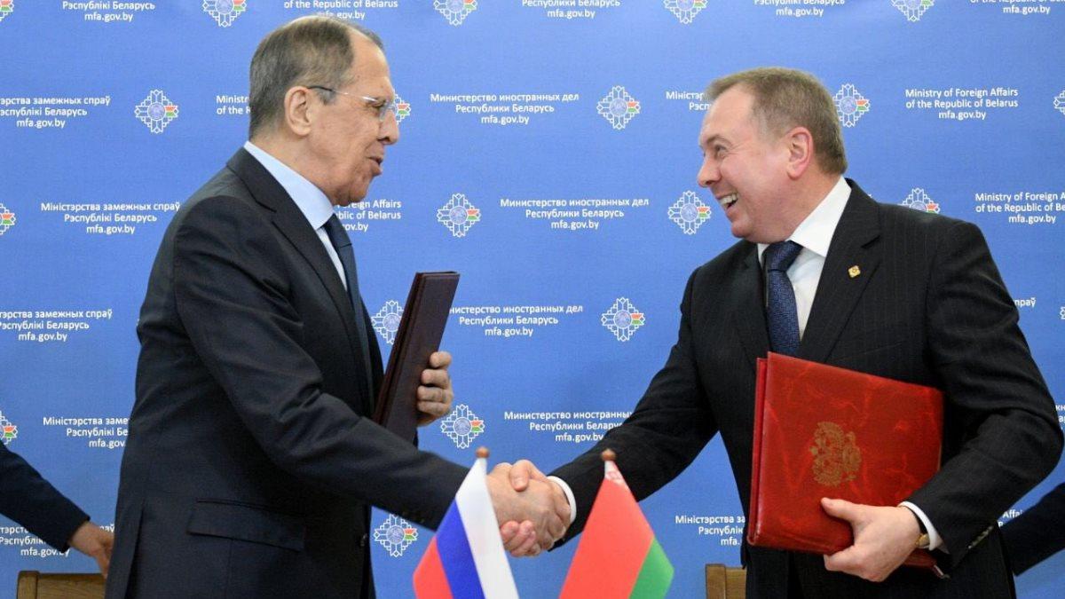 Сергей Лавров и Владимир Макей подписали Соглашение о взаимном признании виз