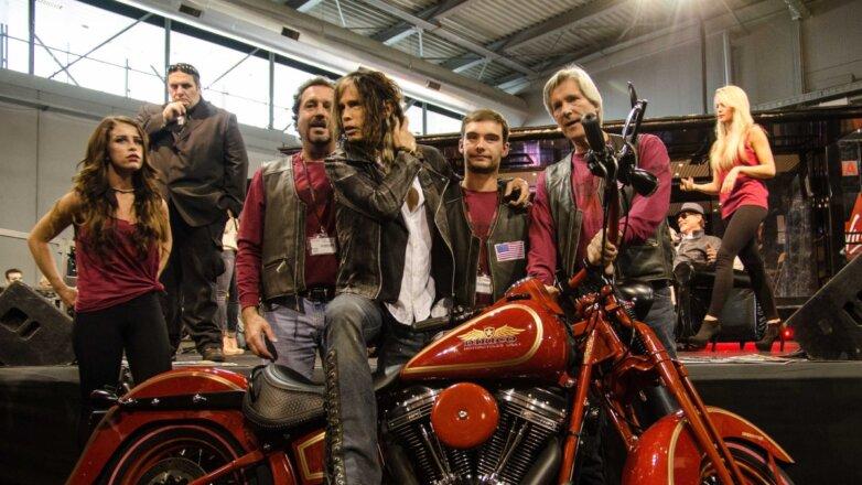 Стивен Тайлер на выставке мотоциклов EICMA 2013 в Милане