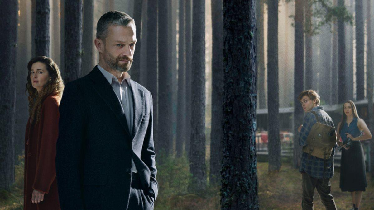 Постер сериала В густом лесу