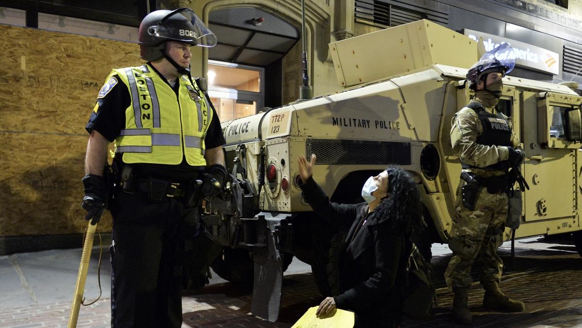 военная полиция во время протестов в США
