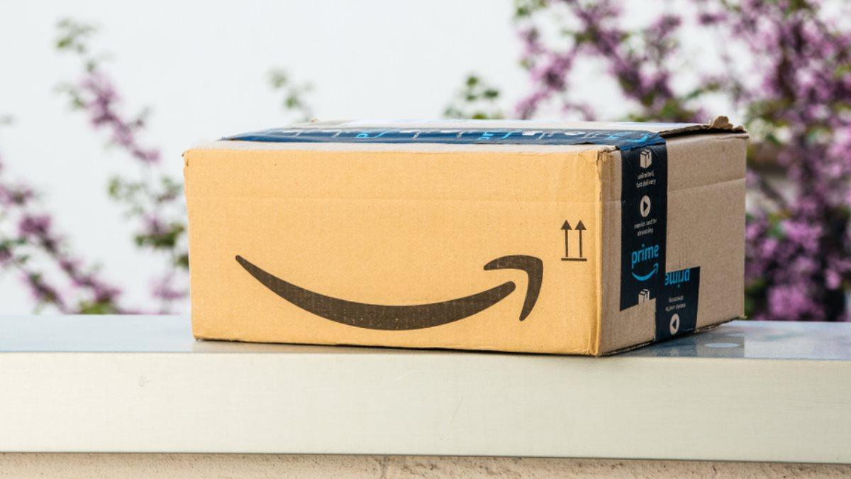 Amazon логотип коробка