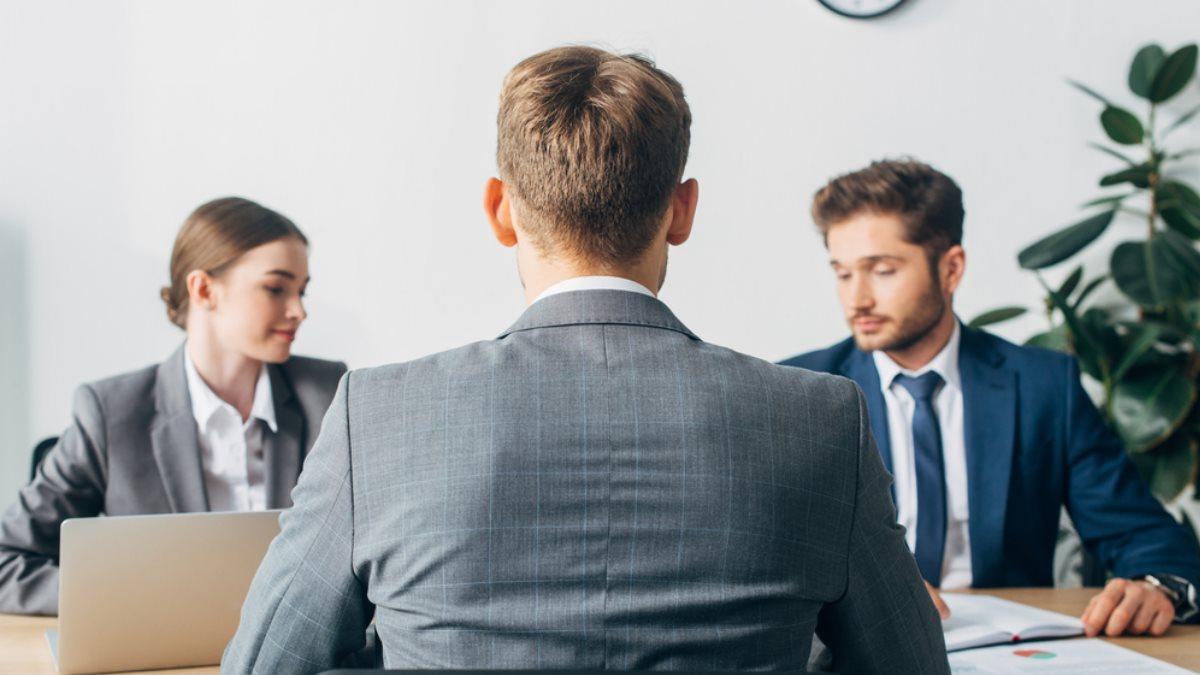 Собеседование поиск работы работодатель работа мужчина