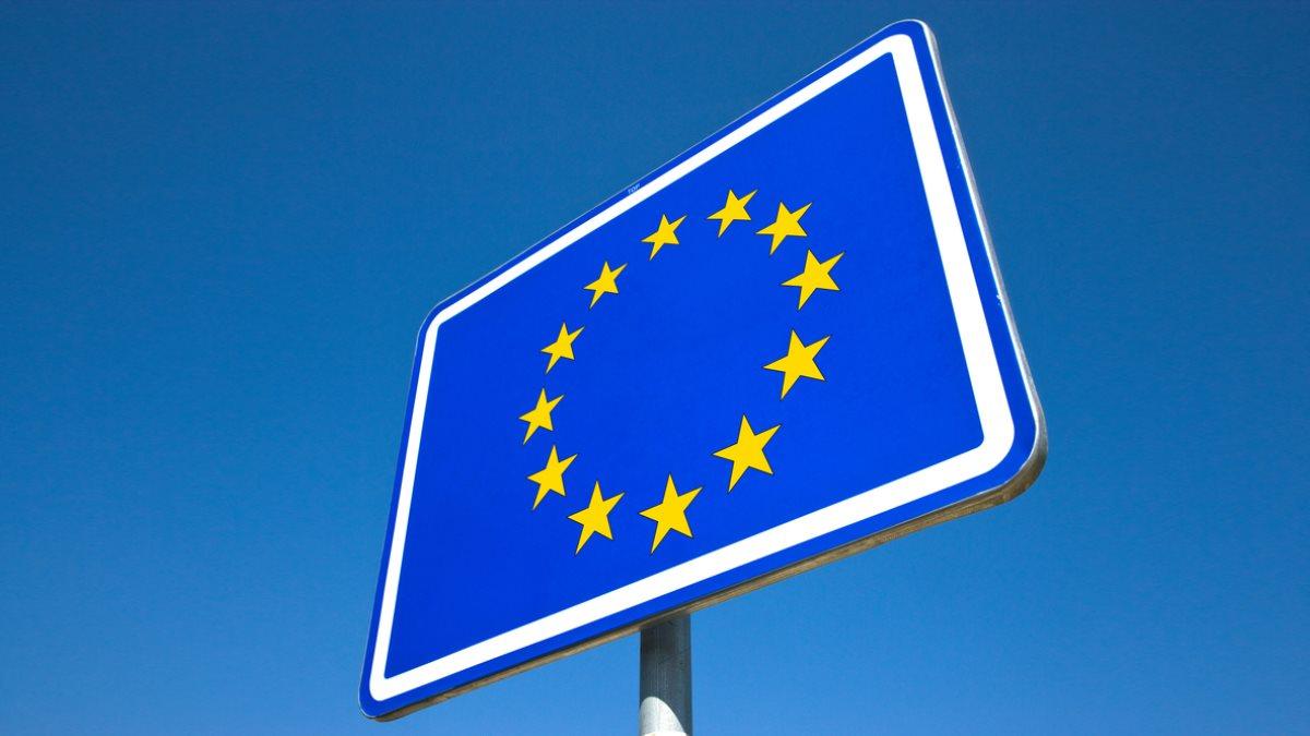 Знак Евросоюза Европа граница туризм