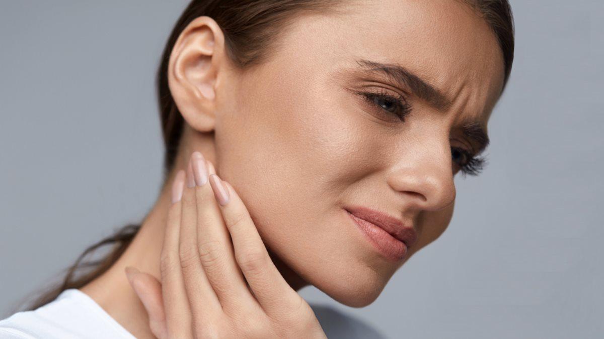 Боль в горле шее два