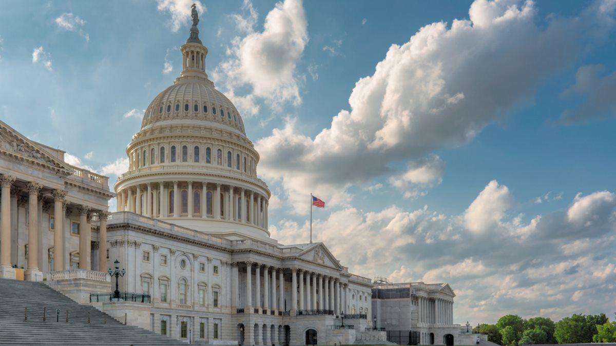 Капитолий сенат конгресс США здание закат