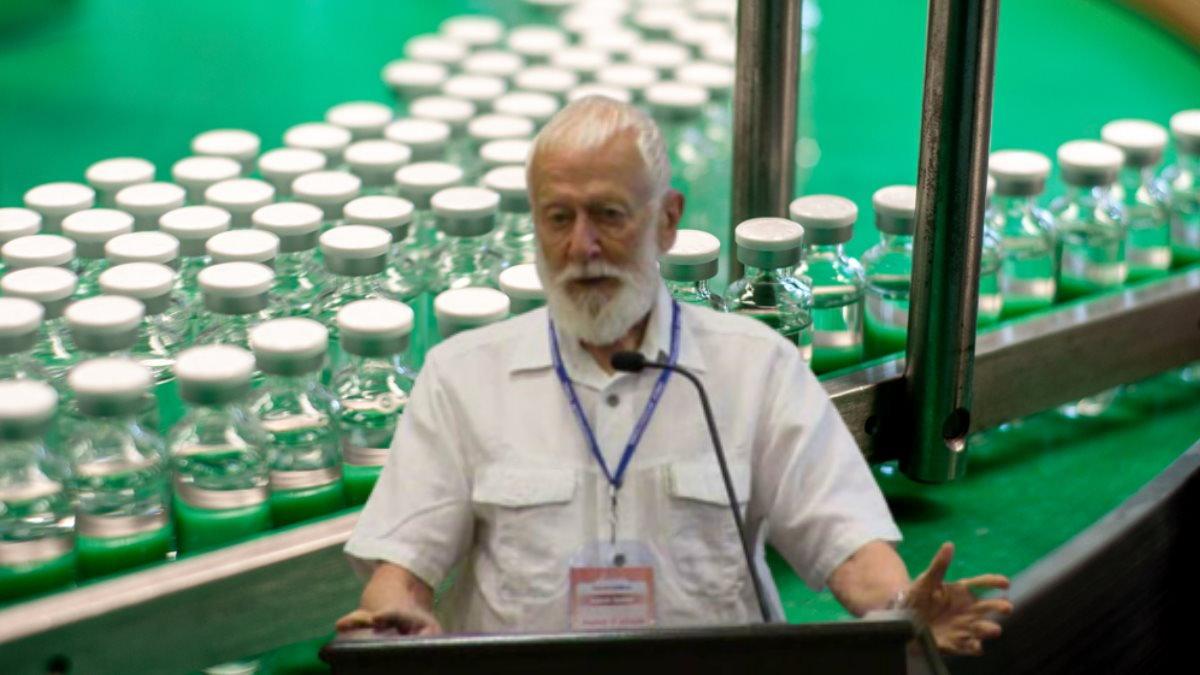 Вирусолог Анатолий Альштейн и вакцина