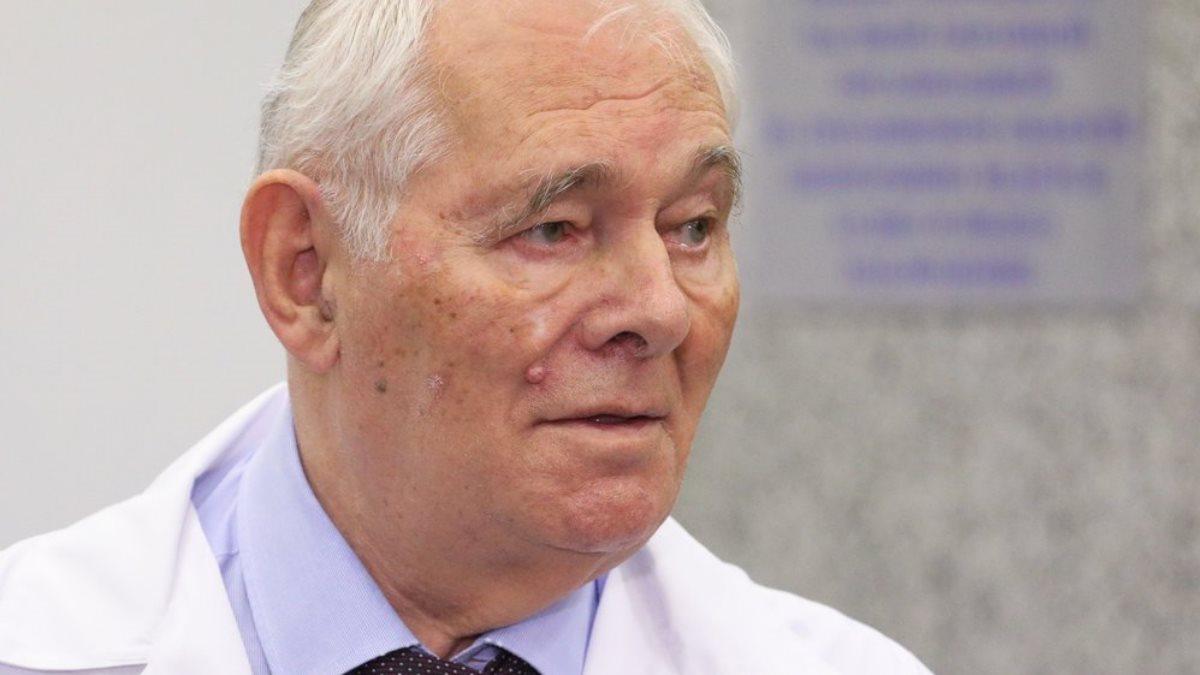 Детский хирург доктор медицинских наук Леонид Рошаль один