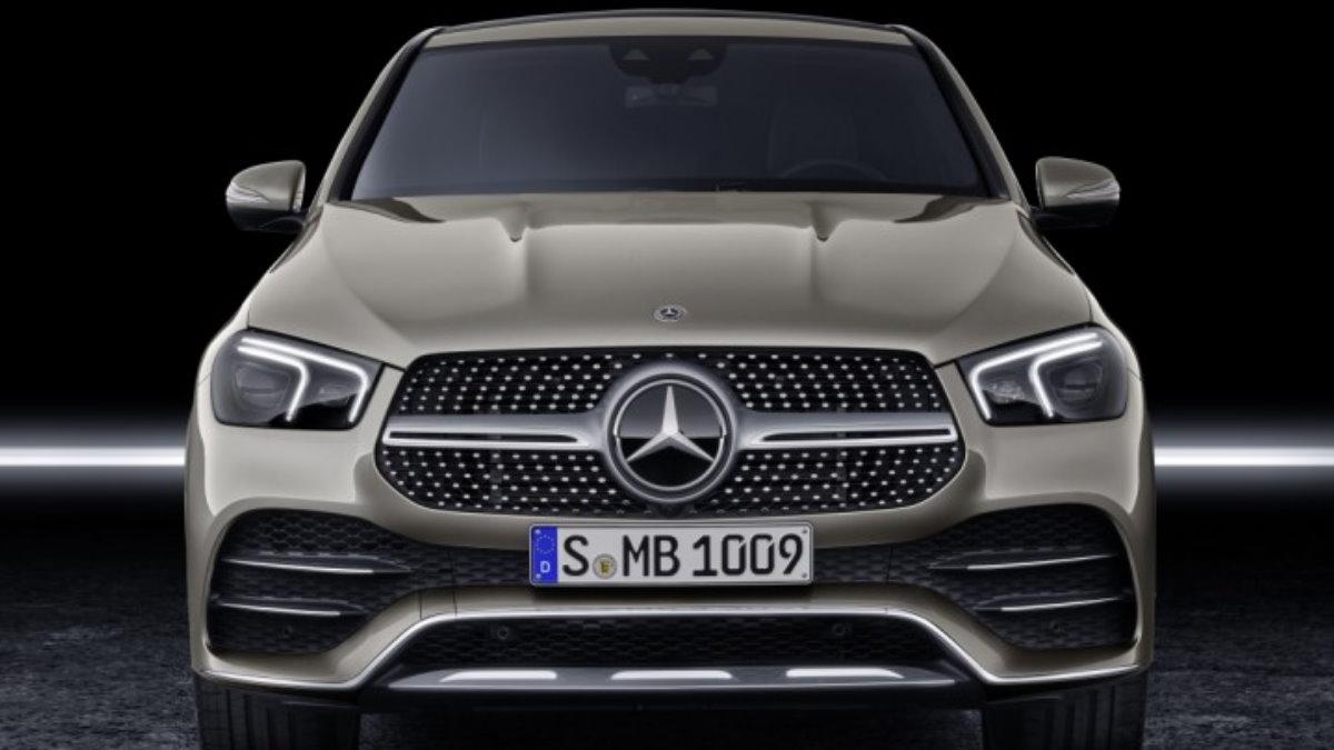 Mercedes-Benz отзывает в России кроссоверы GLE - GLS