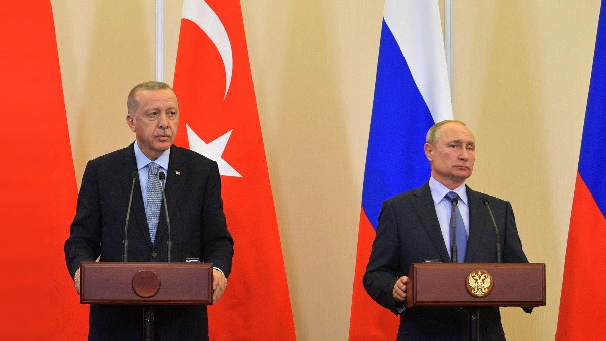 Реджеп Тайип Эрдоган и Владимир Путин флаги