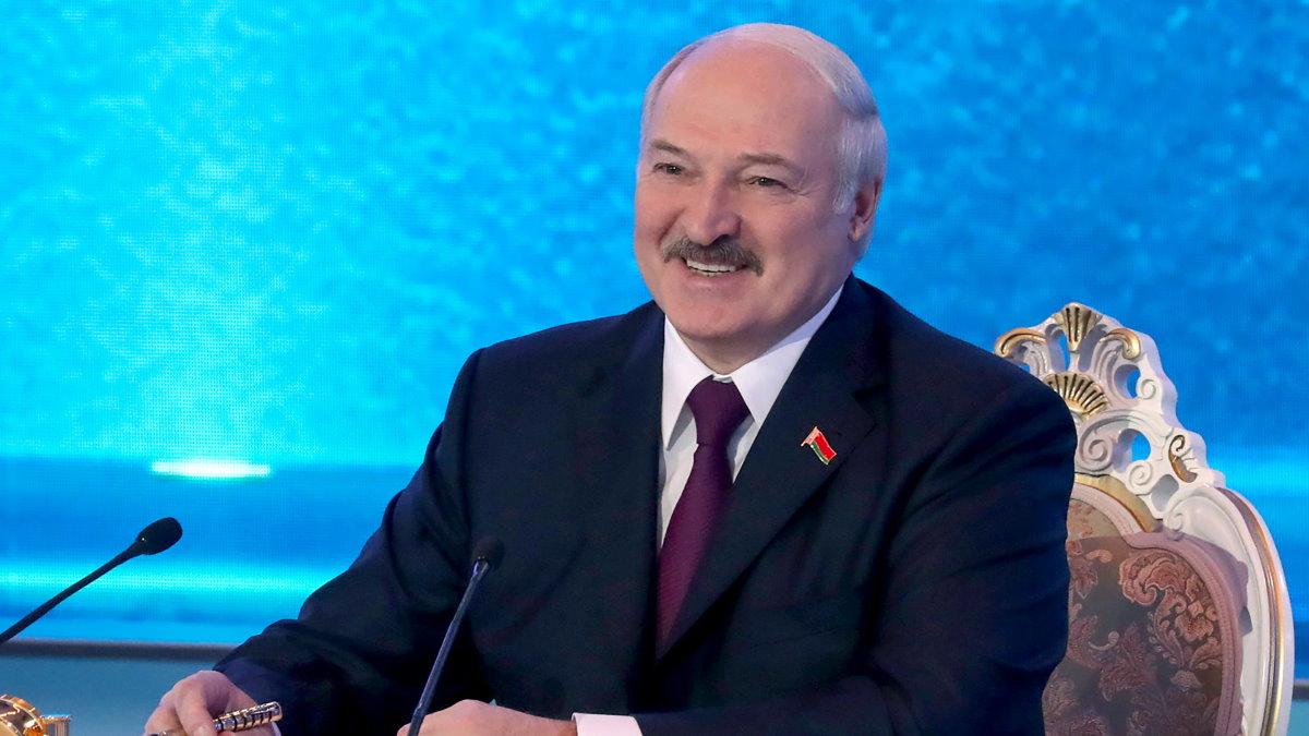 Президент Белоруссии Александр Лукашенко улыбается