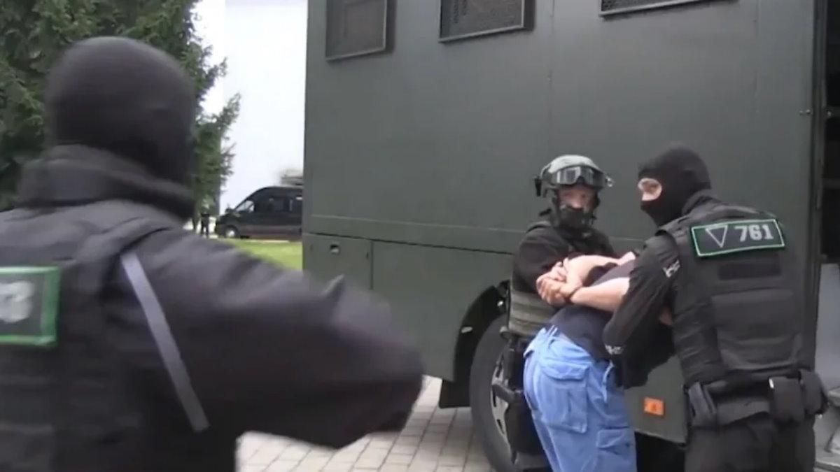 Задержанные в Белоруссии россияне один