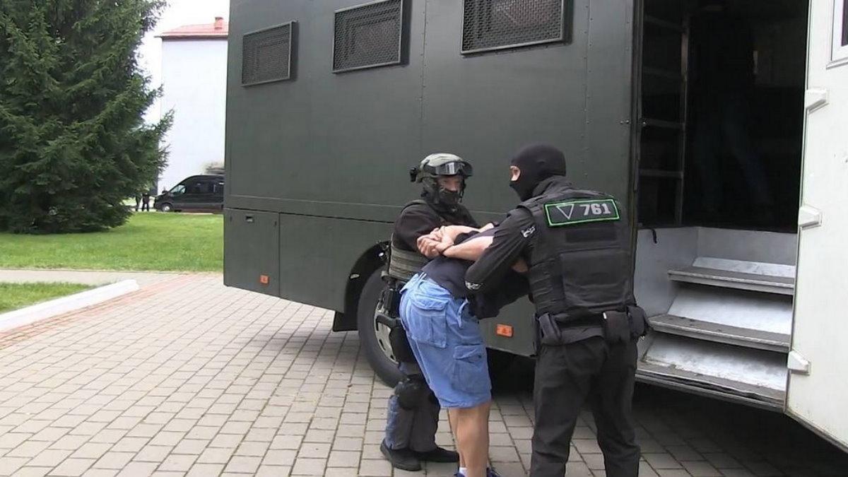 Задержанные в Белоруссии россияне три