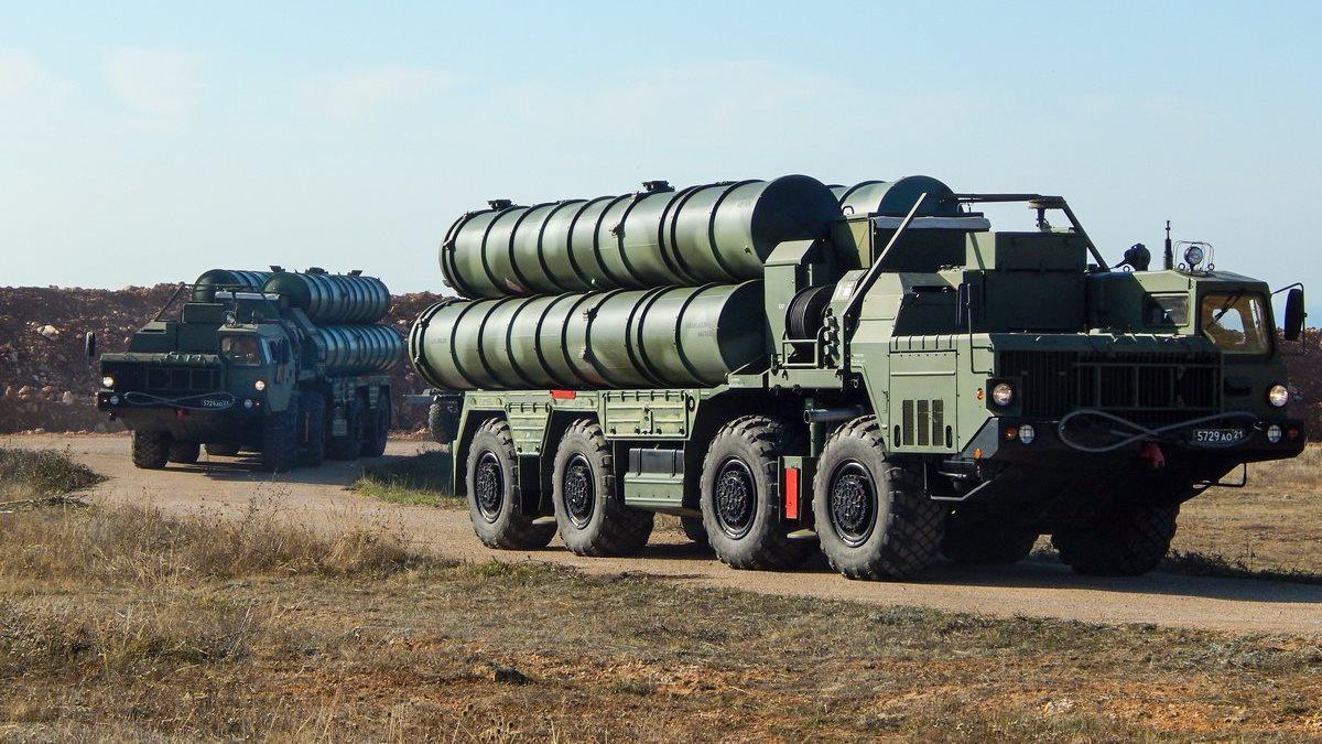 ЗРС С-400 «Триумф» на марше