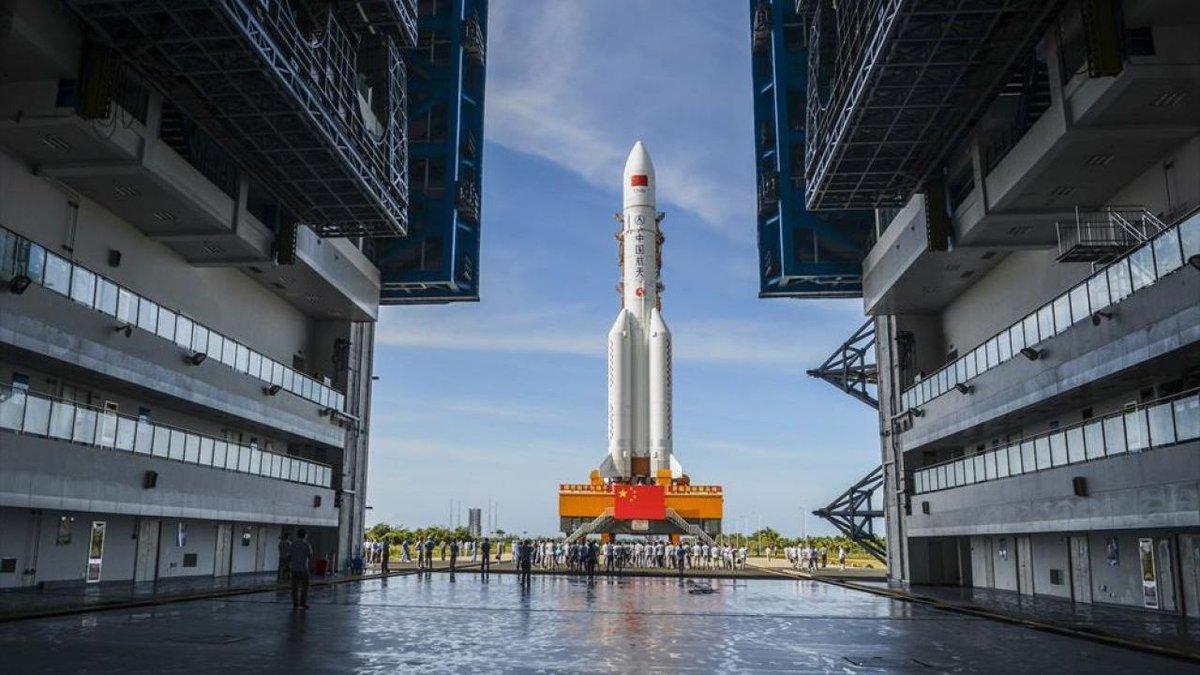 Стартовый стол для ракеты Чанчжэн-5 с миссией на Марс