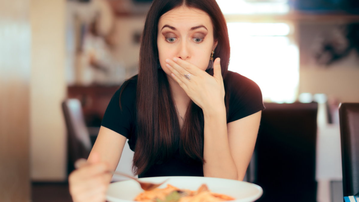 Отравится отравление пищей тошнота