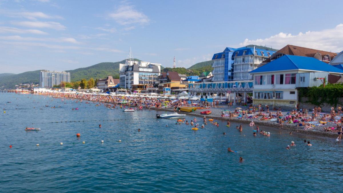 Сочи Краснодарский край туризм переполненный пляж