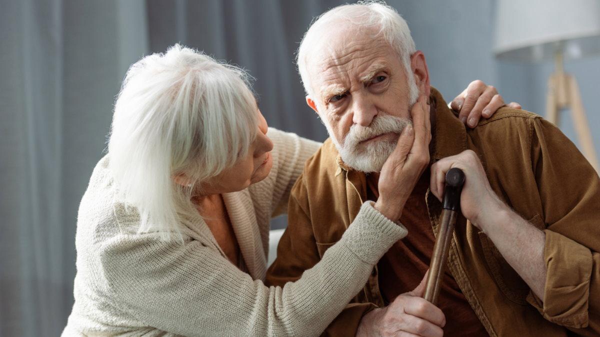 Пенсионеры деменция слабоумие болезнь Альцгеймера Паркинсона плохое переменчивое настроение