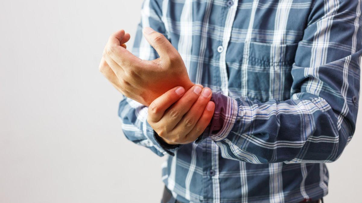 Артрит боль в руке один