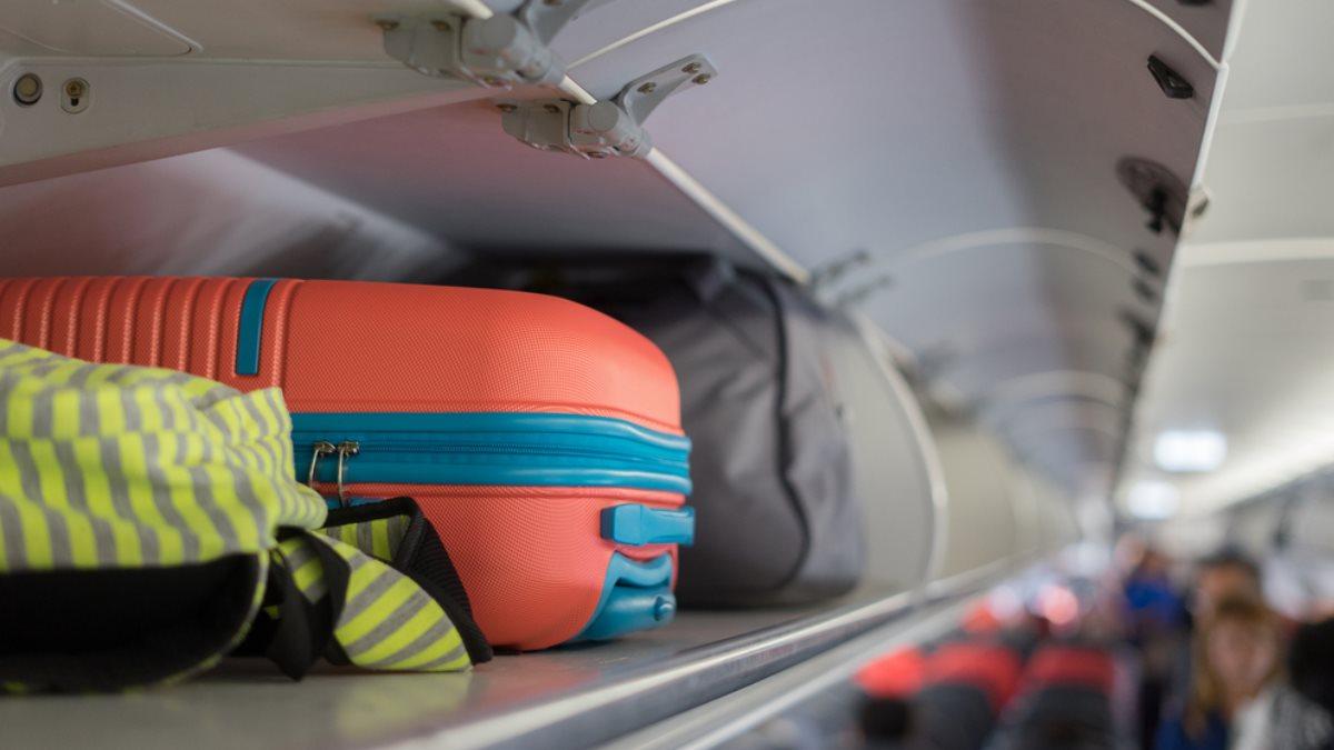 Салон самолёта ручная кладь багаж борт