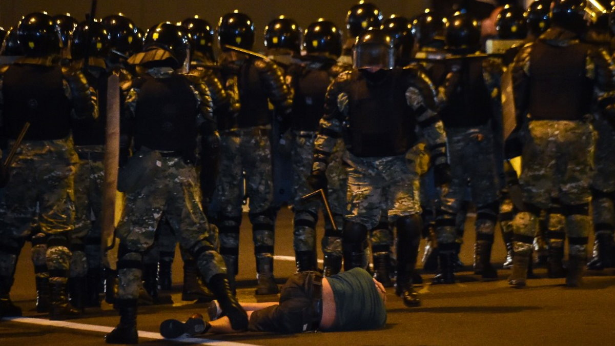 Белоруссия Беларусь протесты силовики протестующий