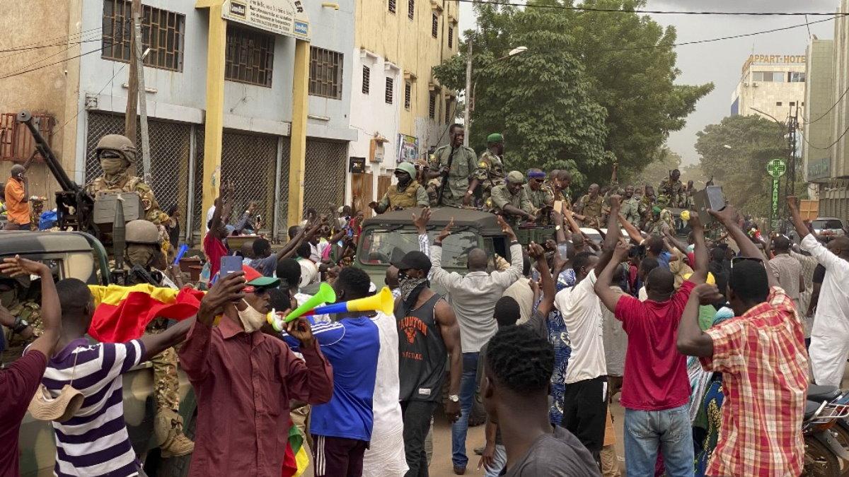 Мали мятежники военный переворот
