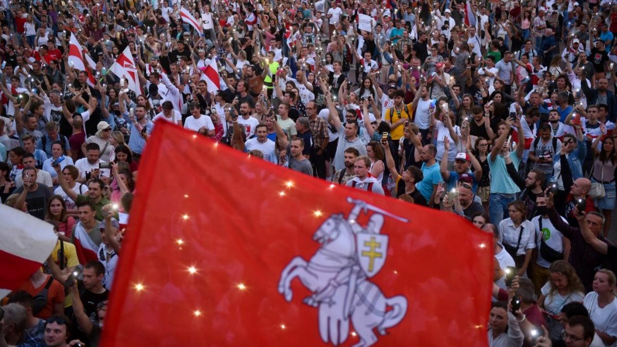 Белоруссия Беларусь Митинг протесты вечер