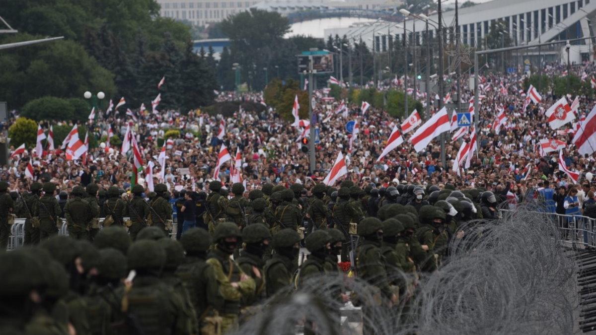Минск Белоруссия Беларусь протесты протестующие оцепление