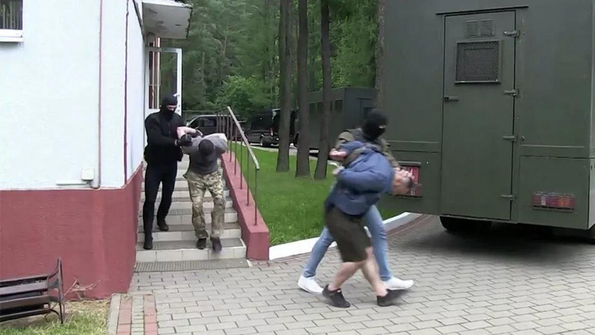 Задержанные в Белоруссии россияне четыре