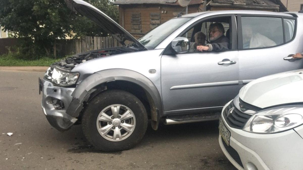 Александр Ширвиндт устроил ДТП в Валдае