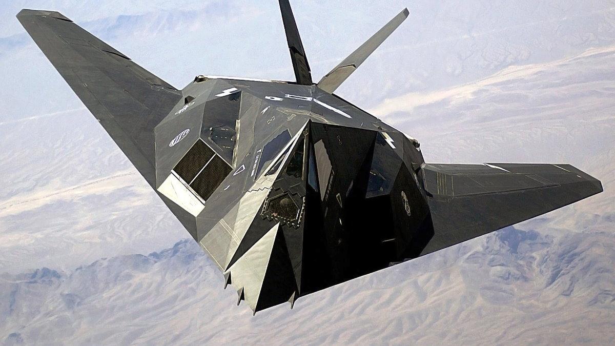 Американский малозаметный ударный самолёт F-117 Nighthawk